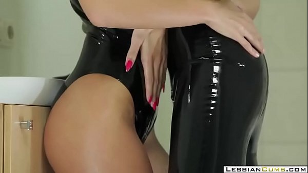 Strapon, Latex, Strapon lesbian, Lesbian latex