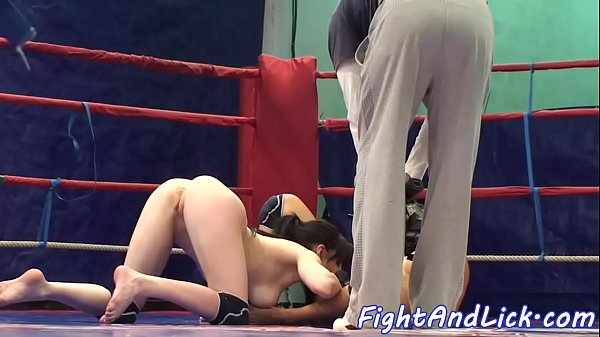 Wrestling, Pussy lick