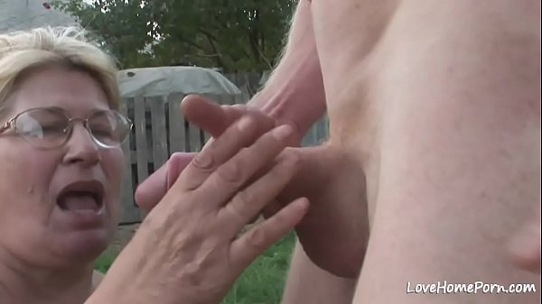 Cumshot, Outdoor